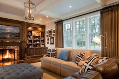 Amanda Webster Design: Traditional Family Room Interior Design / Photo: Steven Brooke
