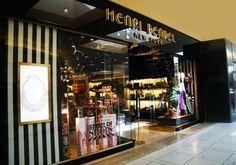 Henri Bendel store front