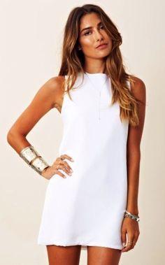 Simple Dress Simple White Dress New Twiggy Dress Fashion Mode, Look Fashion, Fashion Beauty, Womens Fashion, Trendy Fashion, White Fashion, Party Fashion, Diy Fashion, Fashion Trends