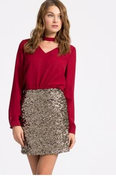 Bluza eleganta rosie din voal cu maneca lunga Sequin Skirt, Sequins, Skirts, Outfits, Wonderland, Medicine, Therapy, Fashion, Moda