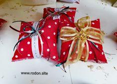 χειροποίητα γούρια www.rodon.site Gift Wrapping, Gifts, Paper Wrapping, Presents, Wrapping Gifts, Favors, Gift Packaging, Present Wrapping, Gift