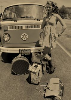 Vintage VW <O>   (Photographer unknown)