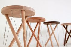 Snelson Stool by Sam Weller. Snelson Stool created by Sam Weller is named after Kenneth Snelson whose sculpture the Needle Tower II inspired Weller when he saw it. Bespoke Furniture, Art Furniture, Furniture Design, Bar Chairs, Bar Stools, Desktop Cnc, Tiny House Furniture, Ergonomic Kneeling Chair, Wooden Stools