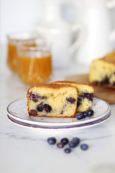 Κέικ με λεμόνι και μύρτιλλα   Cool Artisan Cake Recipes, French Toast, Breakfast, Food, Morning Coffee, Meals, Yemek, Eten, Pie Recipes