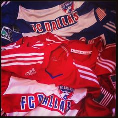 A huge thank you to our friends at the FC Dallas Foundation. Kits to Brasil as part of their 'Gear Up' initiative.  Can't wait to give these away!