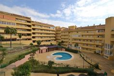 2 bed property to buy in Los Pacos NICE RENOVATED APARTMENT located in the lower part of Los Pacos (Fuengirola). http://www.hiperprop.com/property/apartment-in-los-pacos-296027 #Spanish #property #Hiperprop #CostaDelSol #LosPacos #Estate #Agents #Holiday #Home