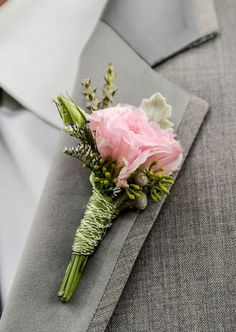 Groom bottoniere ( color of the flower matches the bride bouquet) Fathers bottoniere ( matches the mom wrist flowers) Carnation Boutonniere, Carnation Bouquet, Prom Corsage And Boutonniere, Pink Carnations, Corsage Wedding, Corsages, Boutonnieres, Prom Flowers, Wedding Flowers