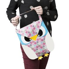 This duct tape owl tote is a hoot to make and personalize. Find out how to make this creative DIY purse here: http://duckbrand.com/craft-decor/activities/owl-tote?utm_campaign=dt-crafts&utm_medium=social&utm_source=pinterest.com&utm_content=duct-tape-crafts-purses