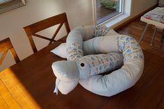Lillifix syblogg: Tutorials Backrest Pillow, Bean Bag Chair, Diy And Crafts, Dinosaur Stuffed Animal, Pillows, Blog, Furniture, Tutorials, Home Decor