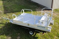Pontoon Boats For Sale, Small Pontoon Boats, Small Fishing Boats, Small Boats, Electric Trolling Motor, Boat Dealer, Top Boat, Aluminum Uses, Deer Hunting Blinds