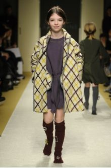 momolo.com red social  de #modainfantil  ➡️ #momolo  ⬅️ #kids #kidswear#streetstyle #streetstylekids #fashionkids #kidsfashion#niños #moda #fashion  momolo, street style kids, fashion kids, Lamantine Paris
