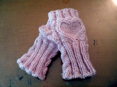 Fingerless gloves for kids… they're nice and stretchy to fit a variety of little hands!