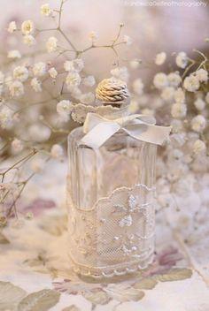 Ana Rosa - baby's breath and bottle Pinned by Martine Sansoucy Photography Bottles And Jars, Glass Jars, Perfume Bottles, Bottle Art, Bottle Crafts, Pink Bottle, Glass Bottle, Vintage Accessoires, Altered Bottles