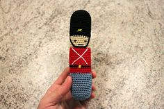Damsel & Baron: Crochet Guards-rattle - with recipe Crochet Baby Toys, Crochet Gifts, Cute Crochet, Crochet For Kids, Crochet Animals, Crochet Dolls, Crochet Stitches, Crochet Patterns, Christmas Soldiers