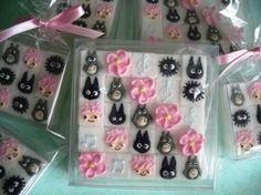Studio ghibli sugar cubes - sweet! Cupcake Cakes, Cupcakes, Sugar Cubes, Sugar Flowers, Cold Porcelain, Totoro, Studio Ghibli, Ice Cube Trays, Spoon