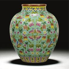 A GOOD 'FAMILLE-ROSE' TURQUOISE-GROUND 'MELON' JAR JIAQING MARK chinese works of art
