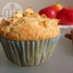 Apfel-Muffins ohne Ei 100 g Vollkornmehl, 100 g Haferflocken gemischt, 50 g Madeln gehackt 2 Äfpel (1 großer, 1 kleiner, eigentlich 115 g) 50-60 g Zucker 125 ml Milch, 100 ml Mandelmilch 60 g Butter 3 TL Backpulver 1 Messerspitze Natron Vanille und Zimt