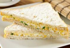 Ready-made triangle (necessarily!) sandwiches with egg & mayo