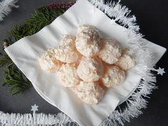 Výborný recept na kokosky. Opravdu ty nejlepší kokosky. Detailní popis receptu. Kokosky se Vám určitě povedou. Kokosky jsou vánoční cukroví plné kokosu a... Cauliflower, Food And Drink, Vegetables, Biscuits, Cauliflowers, Vegetable Recipes, Cucumber, Veggies