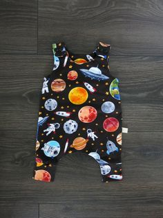 Baby harem romper / organic baby clothes / Space baby romper / boy outfit / Boy romper / baby shower gift / Space romper / Baby boy gift Fox Baby Clothes, Winter Baby Clothes, Organic Baby Clothes, Baby Winter, Baby Gift Sets, Baby Boy Gifts, Gifts For Boys, Baby Shower Gifts, Baby Easter Outfit