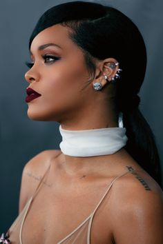 Rihanna - this lip color is gorgeous. Any suggestions on what it is??