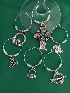 6 Irish Christmas Wine Glass Charms Irish Christmas, Christmas Wine, Christmas Ideas, Wine Glass Charms, Beverages, Charmed, Unique Jewelry, Handmade Gifts, Crafts
