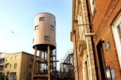The Round Room in the Sky (Londres, Inglaterra)  Es una torre de agua convertida en el centro de North Kensington, que es sinceramente la mejor idea que he oído nunca