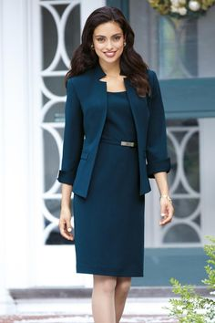 4 main factors to consider before selecting the best suits for women Fashion Business, Business Mode, Office Fashion, Work Fashion, Business Formal, Fashion Boots, Business Outfit Frau, Moda Formal, Look Office