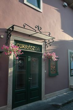 Famous confectionery and coffee-house in Szentendre's downtown - Szentendre, Hungary