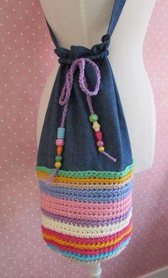 Bolso bandolera mujer/adolescente redondo en rayas multicolor y vaquero