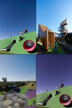 Parque infantil en Australia. Toboganes, paredes de escalar, hamacas, redes...
