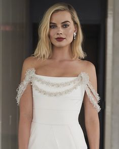 Shop your faves today! Cabelo Margot Robbie, Atriz Margot Robbie, Margot Robbie Style, Margot Elise Robbie, Margot Robbie Harley Quinn, Margot Robbie Wedding, Margot Robbie Tumblr, Margot Robbie Pictures, Actrices Hollywood