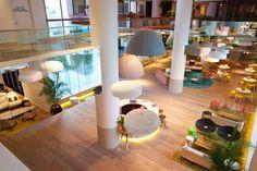 Vibrant QT Gold Coast Hotel In Australia's Surfers Paradise