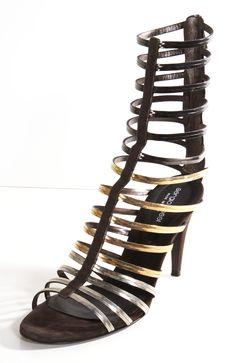solo por q a mi amore love this kind of shoes, de acuerdo a el son sexy