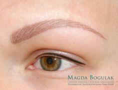 Pigmentacja medyczna oczu i brwi u osoby z alopecią.