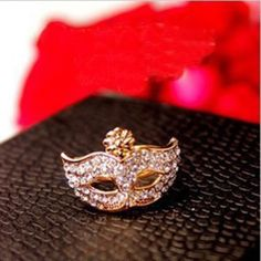 Stunning Style Rhinestone Mask Shape Ring For Women, COLOR ASSORTED, ONE SIZE in Rings   DressLily.com