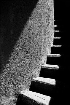 56 Trendy Ideas For Stairs Photography Black And White Shadows Light And Shadow Photography, Dark Photography, Monochrome Photography, Black And White Photography, Art Noir, Arte Black, Shadow Silhouette, Black N White Images, Belle Photo