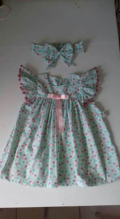 Little Girl Outfits, Kids Outfits Girls, Cute Outfits For Kids, Smocked Baby Dresses, Baby Girl Dresses, Moda Kids, Baby Frocks Designs, Frocks For Girls, Frock Design