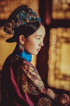 in the desert, picking roses // avatar by dramaedits Asian Fashion, Trendy Fashion, Fashion Models, Girl Fashion, Winter Fashion, Womens Fashion, Chinese Fashion, Holiday Fashion, Indian Palace