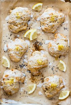 Fresh, citrusy, light and fluffy these lavender and lemon scones just scream spring, and are absolute perfection when paired with a nice cup of hot tea Healthy Vegan Snacks, Vegetarian Recipes Easy, Vegan Desserts, Healthy Muffins, Vegetarian Food, Fun Desserts, Lavender Scones, Lemon Scones, Brunch Recipes