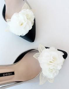Lace flower Bridal Shoe Clips #weddings