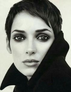 The eyes are so striking! Love the black and white photography - makes smoky eyes more mysterious. -Winona Ryder by Brigitte Lacombe Brigitte Lacombe, White Photography, Portrait Photography, Photography Bags, Photography Studios, London Photography, Glamour Photography, Newborn Photography, Travel Photography