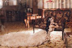 """Бывают такие платья, в которые влюбляются все❤️Благородный цвет, богатая фактура, роскошный шлейф.Всё в нем прекрасно!Это платье идеально дополняют изящные украшения и накидка.Образ в стиле """"Великий Гэтсби"""" всегда в тренде.⠀🌿Размер: XS-L⠀💰Стоимость:2 часа - 650грнот 5 часов - 1500грн⠀⠀▪️ Доставка по Одессе и Украине▪️ Примерка только по предварительной записи!⠀📲+380 93 350 7871W/A, Viber⠀✔️Директ⠀⠀Вы любите красивые ф Gatsby Style, Princess Dresses, Photoshoot, Studio, Instagram, Ideas, Princess Gowns, Girls Princess Dresses, Photo Shoot"""