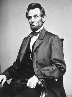 Do You Need a College Degree to Be President?: Abraham Lincoln is one of 11 American presidents who didn't earn a college degree or even attend college. Melanie Hamrick, American Presidents, Us Presidents, American History, Greatest Presidents, Presidential Portraits, Presidential Election, Abraham Lincoln Quotes, Gowns