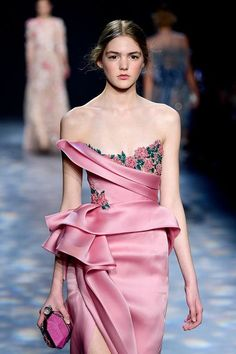 Marchesa Gowns Youre Certain to Spot This Award Season