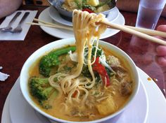Laksa at Jean's Vegetarian Kitchen on the Danforth. (Image: Valerie De Grandis) Some of the mock meats contain whey so ask for no shrimp if you order this dish. Best Vegan Restaurants, Laksa, Places To Eat, Food For Thought, Shrimp, Toronto, Bakery, Spaghetti, Veggies