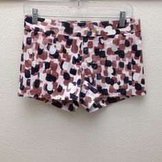 """J.Crew printed stretch chino short 3"""" printed stretch chino with back welt pockets, zip fly with button closure. Cotton twill with hit of stretch, which makes these so comfortable! J.Crew factory. Fun abstract design which can be a great addition to a fun simple Summer outfit! J. Crew Other"""