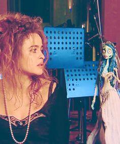 corpse bride next to her voice, Helena Bonham Carter, also Tim Burton's wife. Tim Burton Style, Tim Burton Art, Tim Burton Films, Emily Corpse Bride, Tim Burton Corpse Bride, Helena Carter, Helena Bonham Carter, Beetlejuice, Helen Bonham
