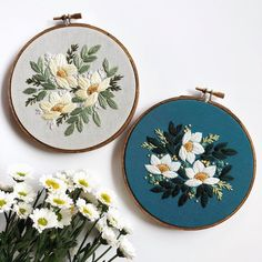 Contemporary, floral embroidery hoops stitched by @floralsandflossembroidery. For more embroidery inspiration, visit DMC.com to see our 1000+ FREE patterns. Hand Embroidery Flowers, Embroidery Hoop Art, Floral Embroidery, Embroidery Patterns, Handbags On Sale, Purses And Handbags, Floral Hoops, Womens Purses, Free Pattern