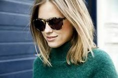 """The """"Lob"""" is the hair-lingo for a long bob, i. one longer than typical """"bob"""" length at the chin. The """"Lob"""" is the hair-lingo for a long bob, i. one longer than typical """"bob"""" length at the chin. My Hairstyle, Pretty Hairstyles, Beautiful Haircuts, Simple Hairstyles, Hairstyles 2018, Hair Day, New Hair, Pelo Midi, Lob Styling"""